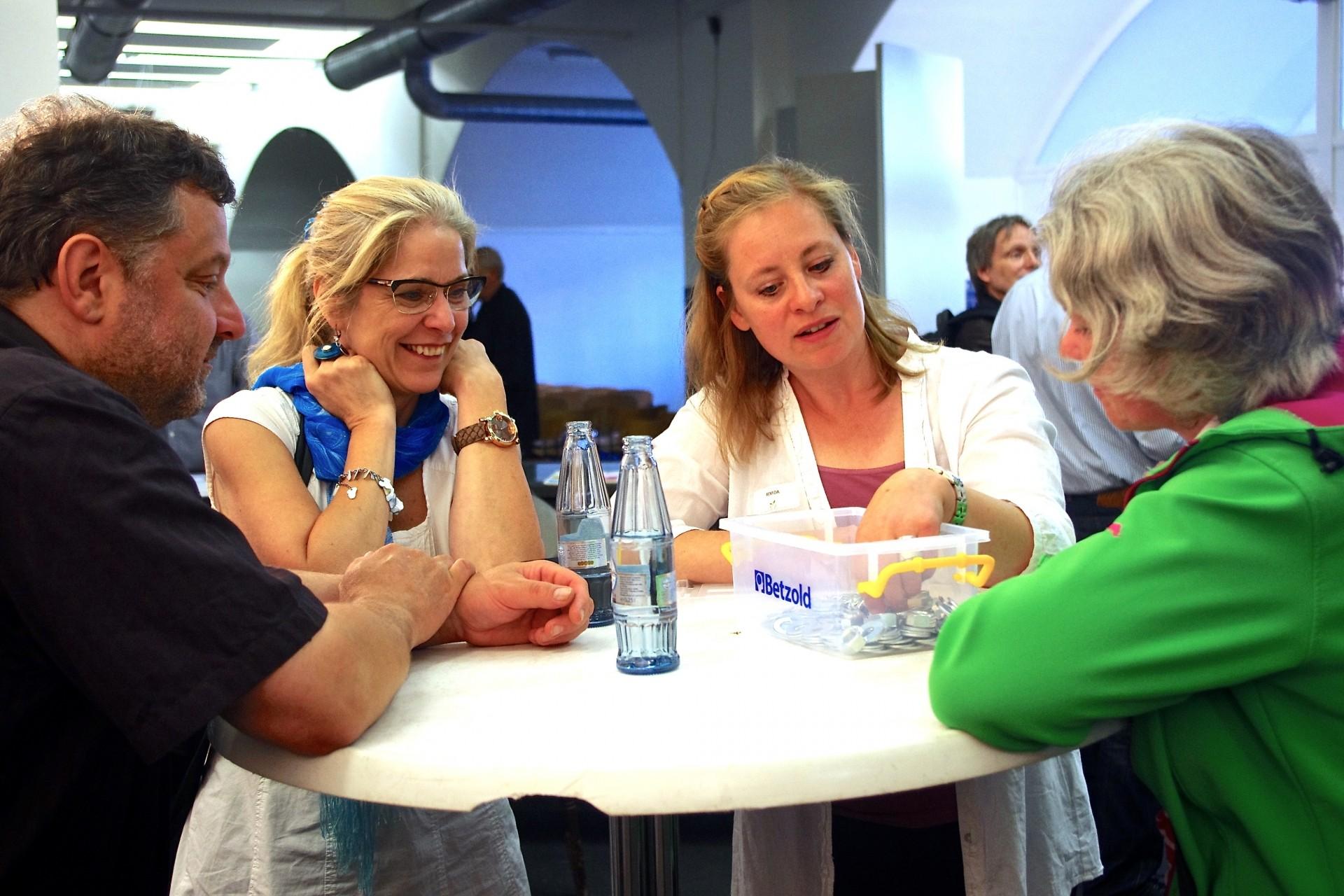 Projektaustausch auf der Projektbörse am 18. Juni 2014 - Foto: Axel Viola, Copyright: UNS/MUR