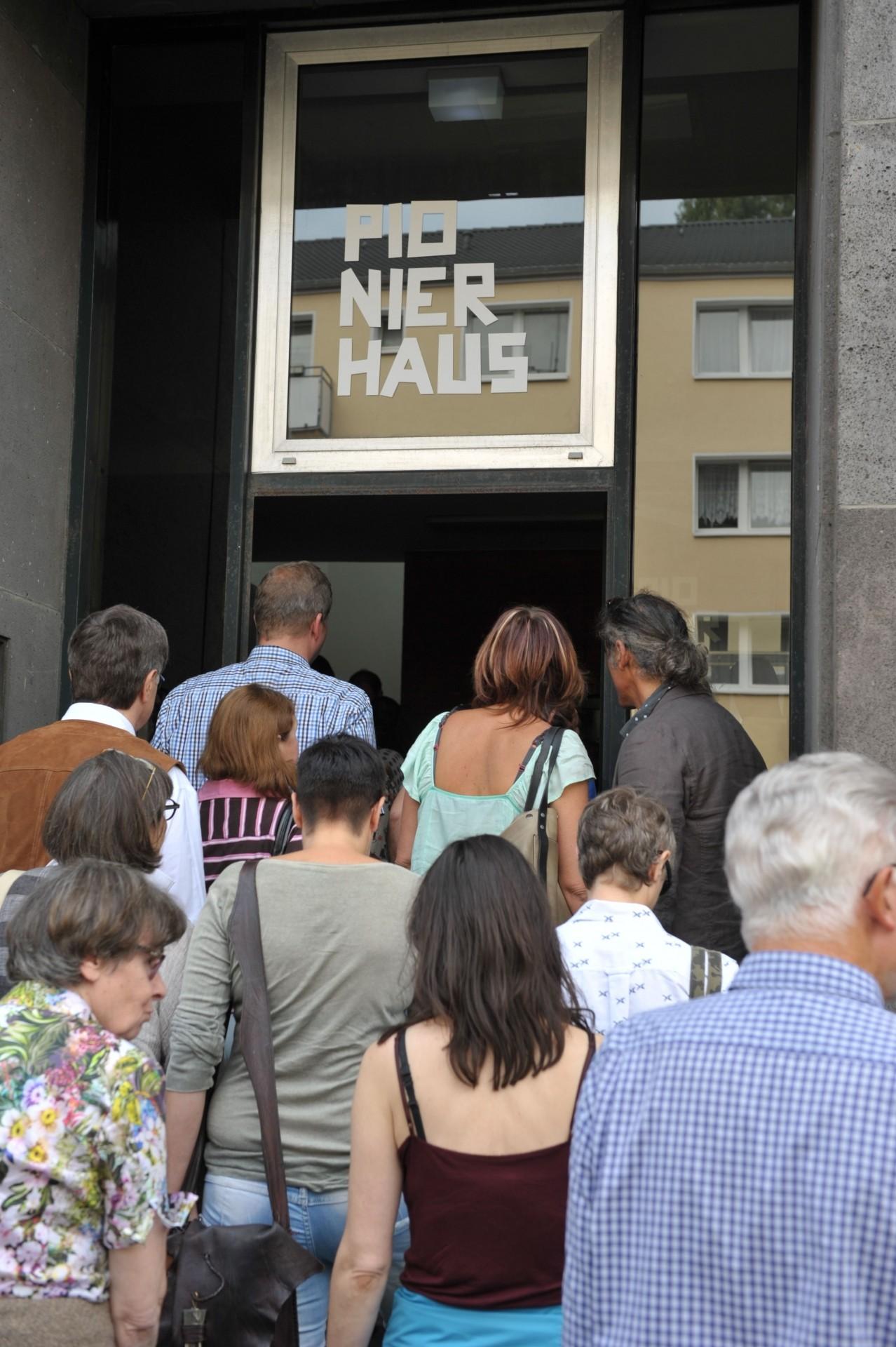 Das Pionierhaus hat geöffnet, Foto: Eberhard Weible
